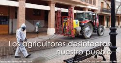 Los agricultores desinfectan nuestro pueblo