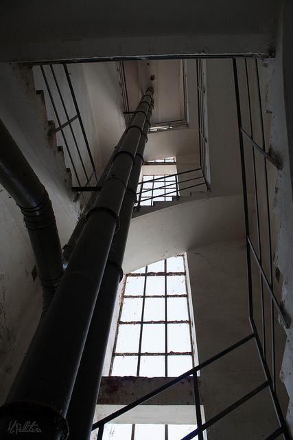 Escaleras de la torre del Silo. Foto de Mario Pellitero